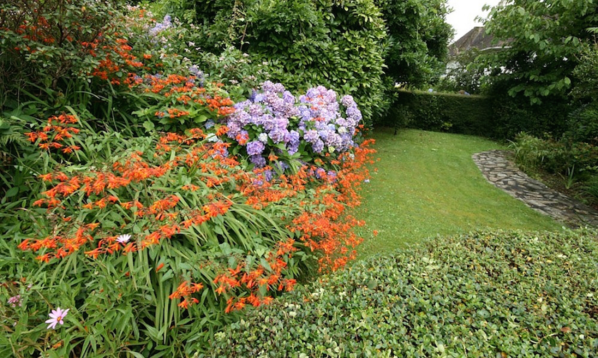 st-austell-house-english-rentals-large-family-friendly-private-gardens--317-2636778_2400_1800